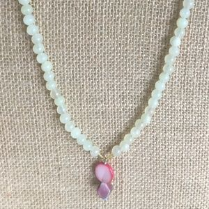 Jade necklace with pink shell dangle pendant